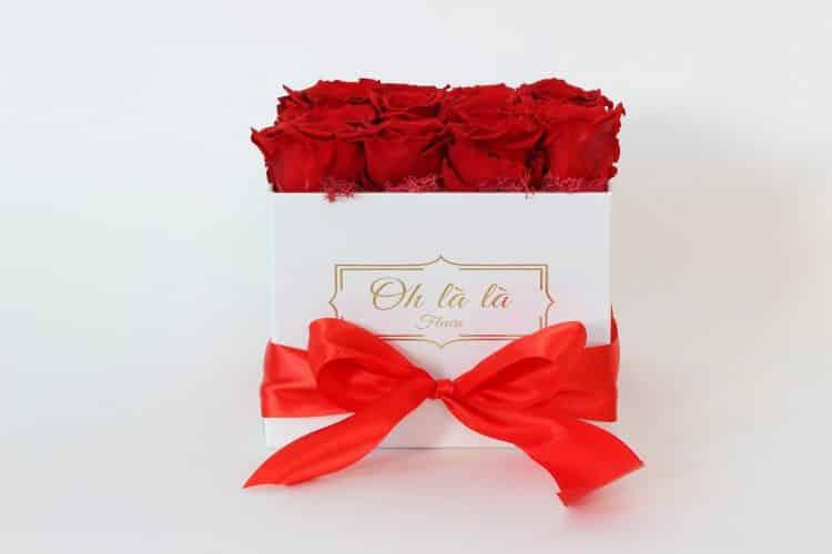 Hranatý box Éternelle rose s vôňou záhradných ruží - trvacne-ruze, donáška kvetov Bratislava
