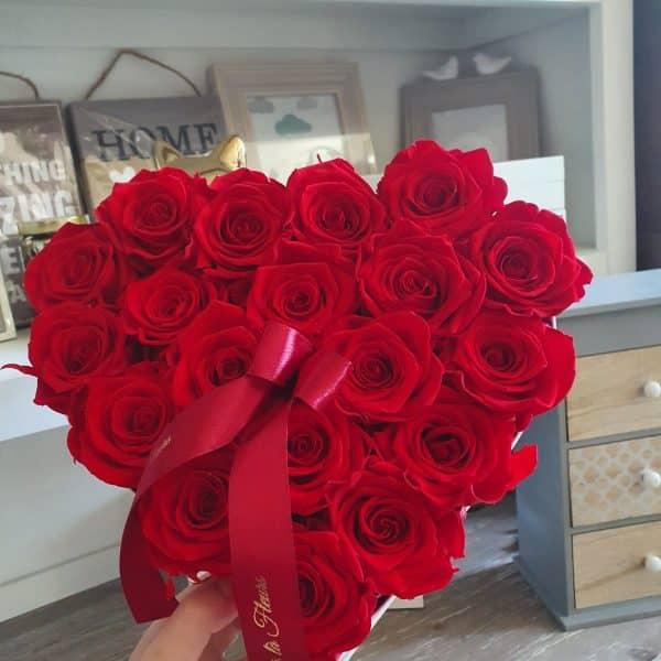 Stredný srdiečkový box Éternelle rose s vôňou záhradných ruží - trvacne-ruze, donáška kvetov Bratislava
